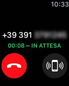 Screeshot apple watch che dà la possibilità di trovare l'iPhone mentre chiamano